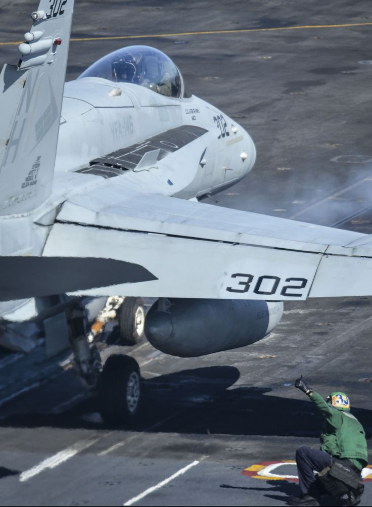 F/A-18A-D Hornet | NAVAIR - U.S. Navy Naval Air Systems Command - Navy and Marine Corps Aviation Research, Development, Acquisition, Test and Evaluation