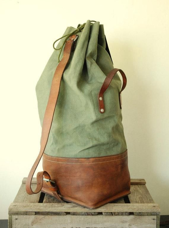 Swiss Army Duffle Bag 1973 made of Canvas and Leather, Large Fishing Hiking Rucksack Bushcraft Camping Traveling