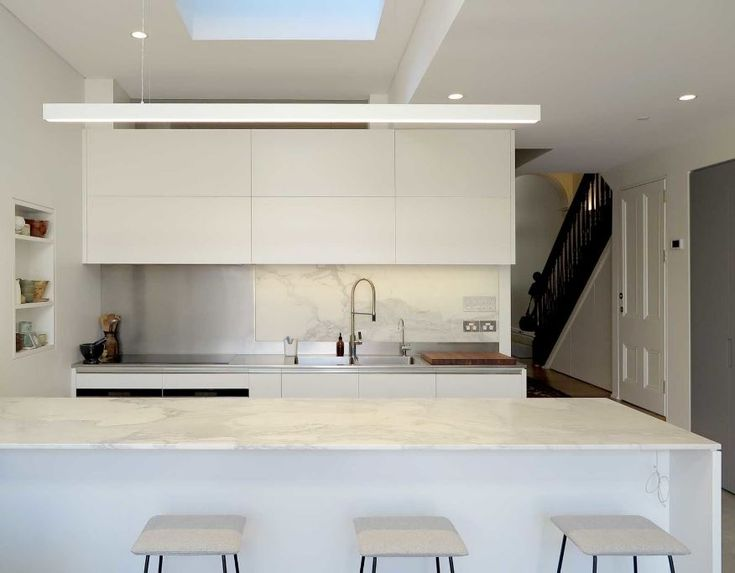 Love this compact kitchen! Sure packs a punch with its amazing duo splashback!