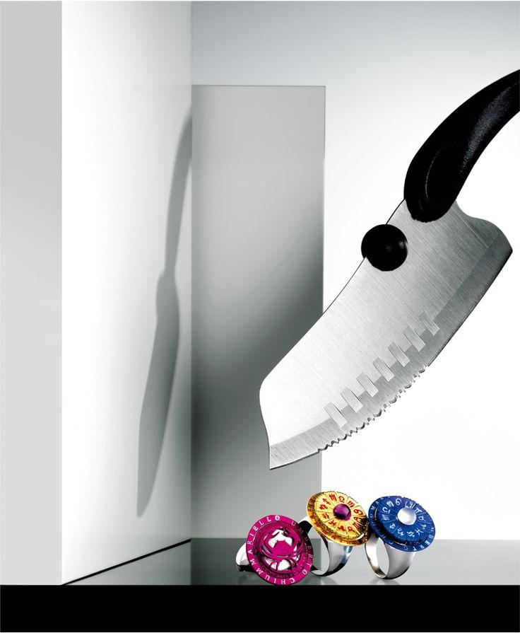 Umberto Chiummariello  www.umbertochiummariello.it  anelli in argento con segni zodiacali, con bagni galvanici colorati e madreperla /zodiac sign rings in silver, galvanized colors, and mother-of-pearl