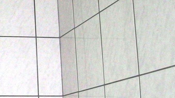 Die Flie Fliesen Frag Haus Mit Mutti Reinigen Saubere Weichspuler Fliesen Frag Haus Mutti Saubere Fliese In 2020 Fliesen Reinigen Fliesen Richtig Putzen