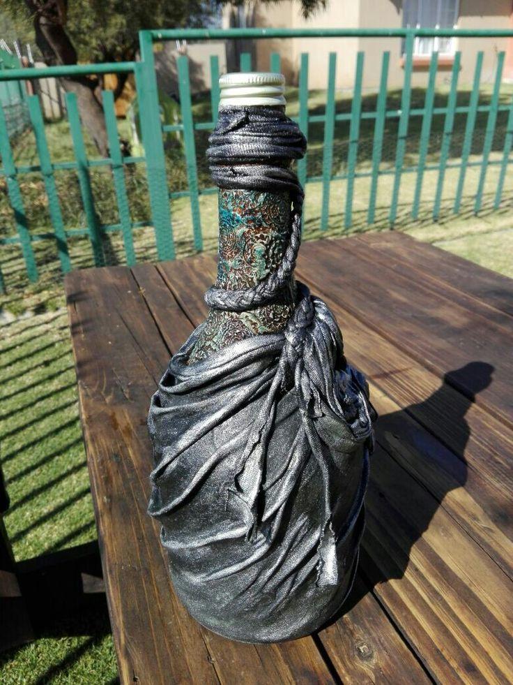 My first attempt at altered bottles #missDIY #workingonmydream #vintagelook #upcycling #modernart