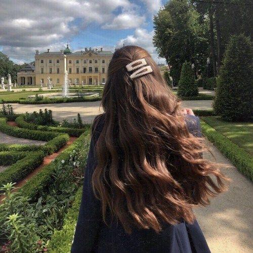 Lange Locken #foundonweheartit #hairstyle #hairclips #curls #brownhair