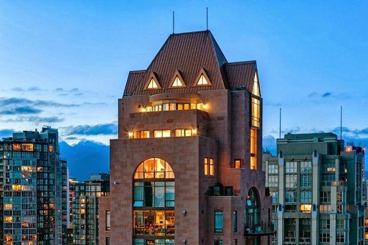 Otherworldy Triple-Level Penthouses : vancouver condo
