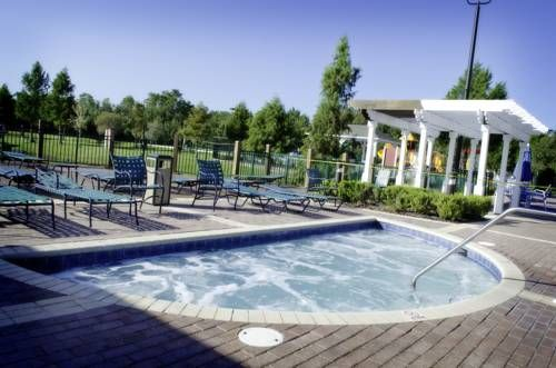 Seven Dwarfs 102 Kissimmee (Florida) Seven Dwarfs 102 is a holiday home with an outdoor pool, situated in Kissimmee. You can fire up the barbecue for a tasty meal and enjoy the garden in fair weather.