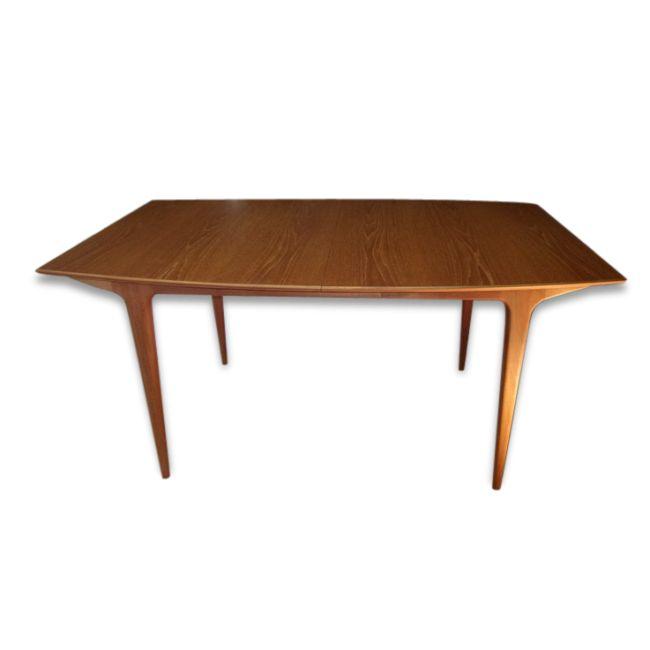Table 6/8 couverts by Mc Intosh vendu par Blanchard et Blanchard ? Paris (75 - Paris). Hauteur : 72, Largeur : 152, Profondeur : 90, État : Bon état, Materiau : Teck, Style : Scandinave, Couleur : Bois