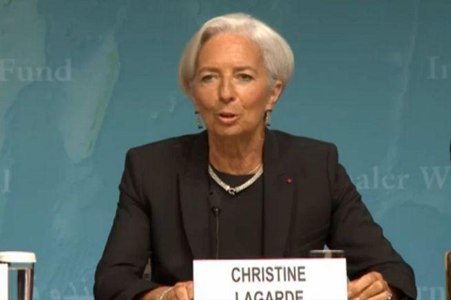Il Fondo Monetario Internazionale promuove l'Italia e la sprona sulle riforme. Padoan soddisfatto
