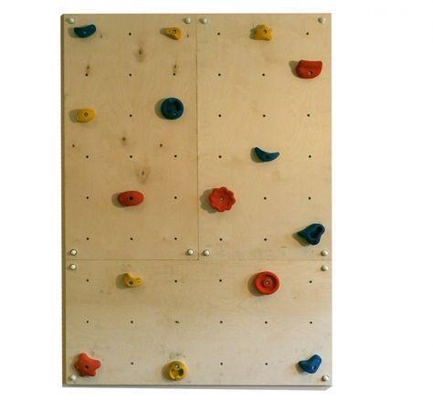 Drei #Multiplex_Wandplatten 120x60 cm, Gesamtfläche 2,16 m², mit 54 vormontieren Befestigungspunkten (Einschlaghülsen M10) für #Klettergriffe