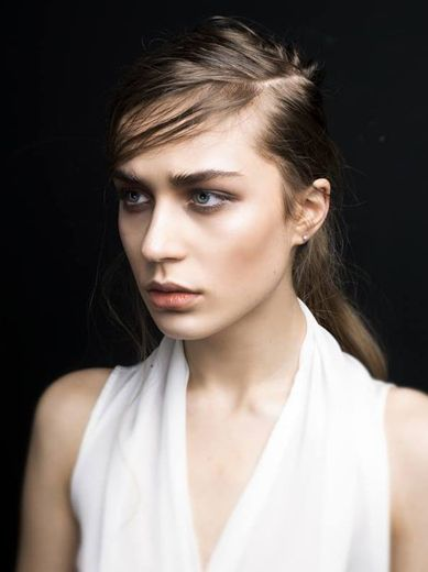Angela Lipa | Division