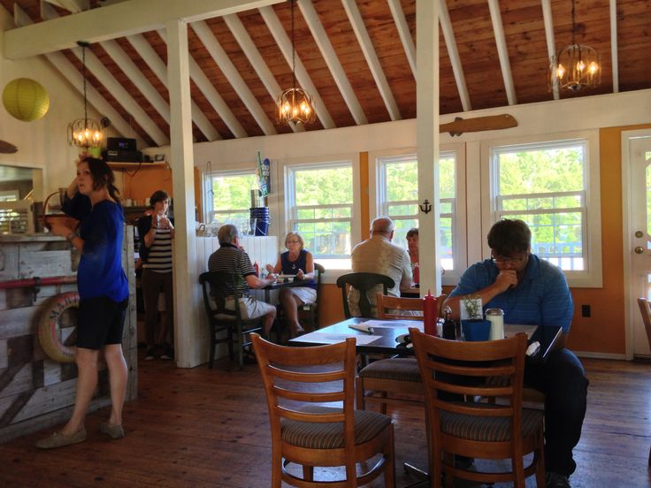 Gilly's Restaurant at Snug Harbour on Georgian Bay