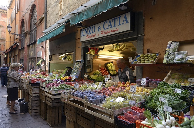 """Bologna is the culinary center of Italy. Quadrilatero is a district within Bologna, known for its food and Pizza. Tamburini is Italy's most famous and lavish food emporium. Bologna -  """"Il quadrilatero"""" - Mercato in via Pescherie Vecchie by Massimo Battesini, via Flickr"""