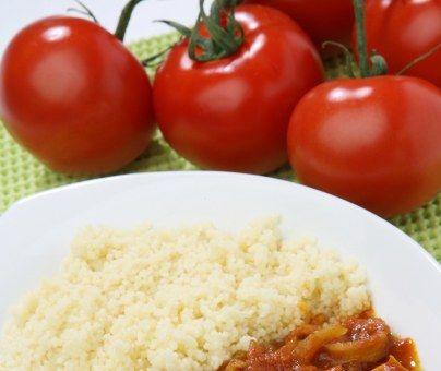 encornet, poivron rouge, tomate, oignon, tomate, vin blanc, ail, persil, sucre
