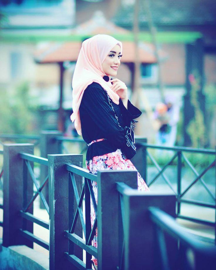 Mbak2 hijabers Malang, ntar bulan puasa kita hunting tipis2 ya sambil nunggu magrib...mumpung abang libur sebulan,  #hijbers #model #modelmalang #Nikon