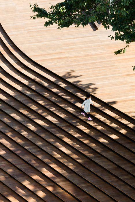 Kengo Kuma uses a grand staircase to transform a Tokyo warehouse into a shop.