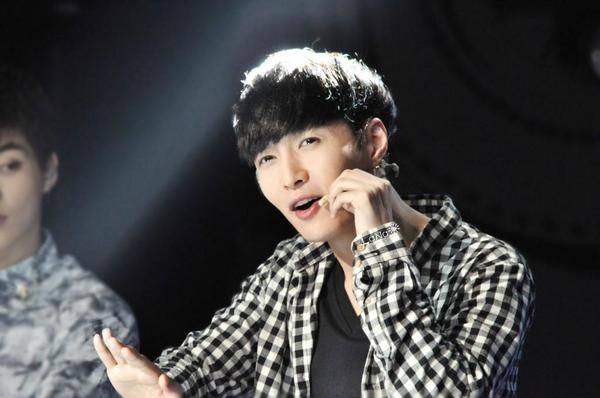 EXO Lay in The Generation Show