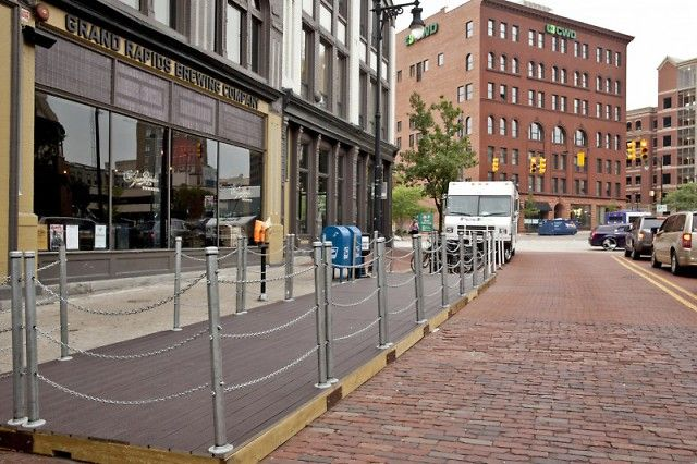 Grand rapids mi barfly ventures 39 new parklets in front for Grand rapids architecture firms
