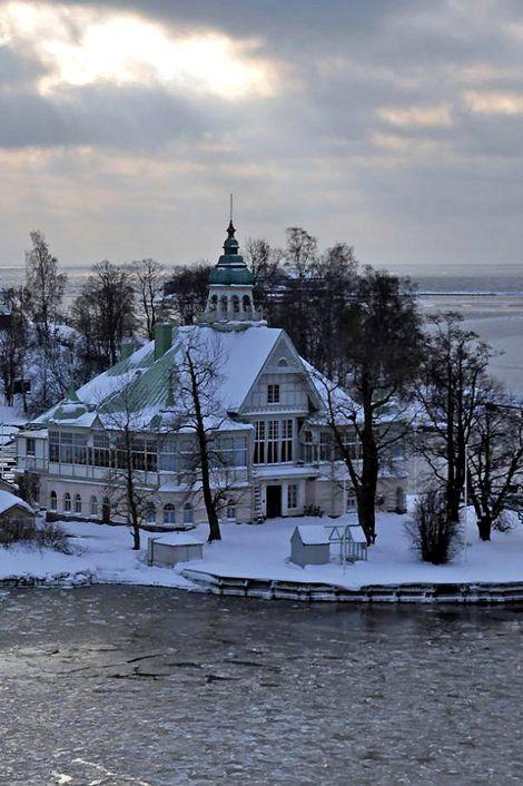 Helsinki harbour islands, Finland   by JohntheFinn