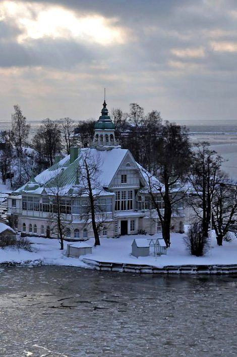 Helsinki harbour islands, Finland | by JohntheFinn