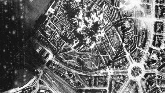 Meer dan tweeduizend inwoners van Nijmegen verloren in 1944 het leven door oorlogsgeweld. Maar het leed van burgerslachtoffers wordt vergeten, concludeert historicus Joost Rosendaal.