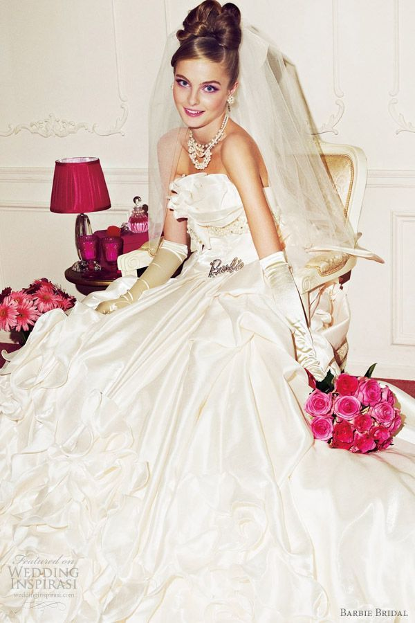 最高に可愛い!白いシルクの花嫁衣装・ウェディングドレスのまとめ一覧です♡