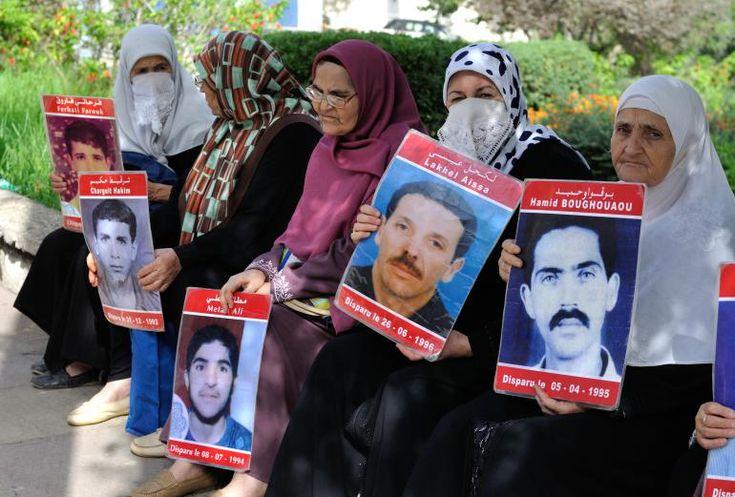 Plus de 8 000 personnes ont disparu en Algérie entre 1992 et 1998, enlevées par les forces de l'ordre. Plus de 20 ans après, les sœurs, mères et épouses de ces disparus, à l'image des Argentines de la Place de mai, se battent encore pour connaître la vérité - Nadia Assirem
