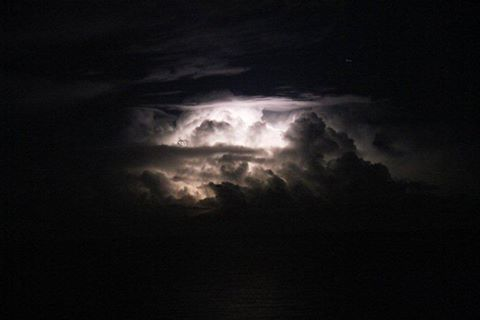 A thunder storm over the Atlantic !