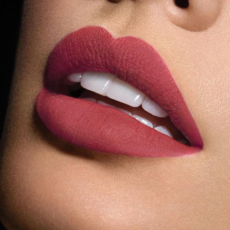 It's Friday  definitely a rock-a-bold-lipstick sorta day! We  this musky rose…