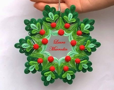 DIY Quilling Christmas Decoration
