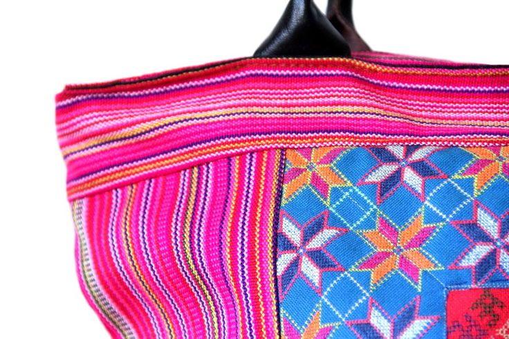 Modèle phare de cette collection, ce sac à main est tellement chic et raffiné, de jour comme de nuit