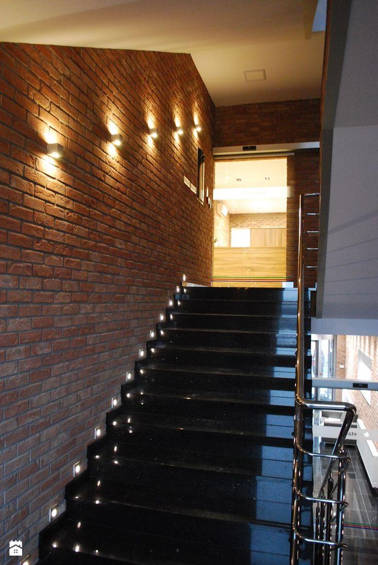 Znalezione obrazy dla zapytania oświetlenie klatki schodowej inspiracje