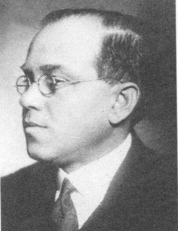 Fejér_Lipót Munkássága a matematika számos területén meghatározó jelentőségű. 1933-ban a 4 legkiválóbb európai tudós egyikeként meghívták a chicagói világkiállításra.
