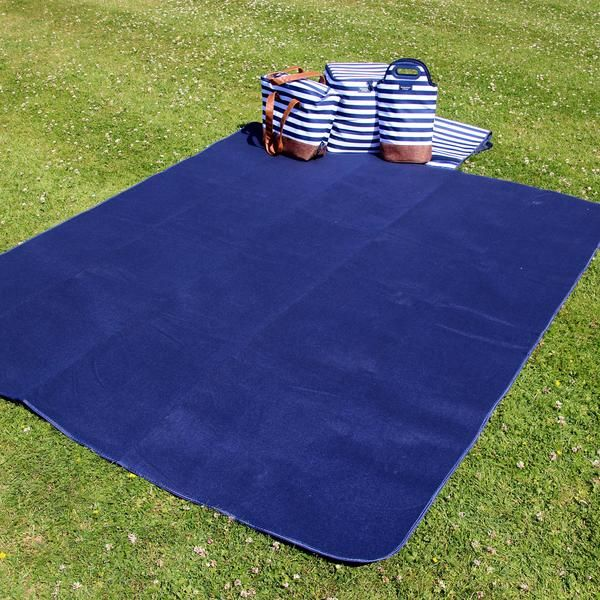 Extra large picnic blanket, in navy fleece.