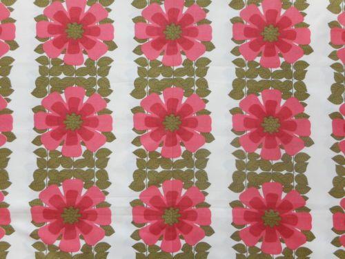 Fab-unused-vintage-retro-60s-70s-curtain-fabric-1yd-lengths-pink-flowers