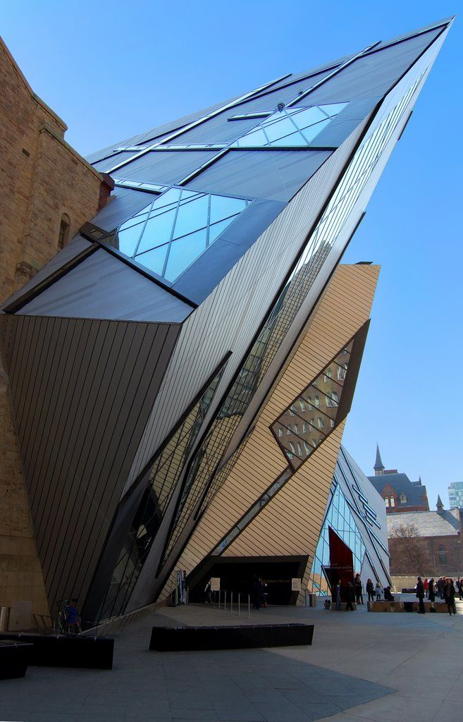 Royal Ontario Museum, Toronto. The Crystal, extension by Daniel Libeskind, architect.