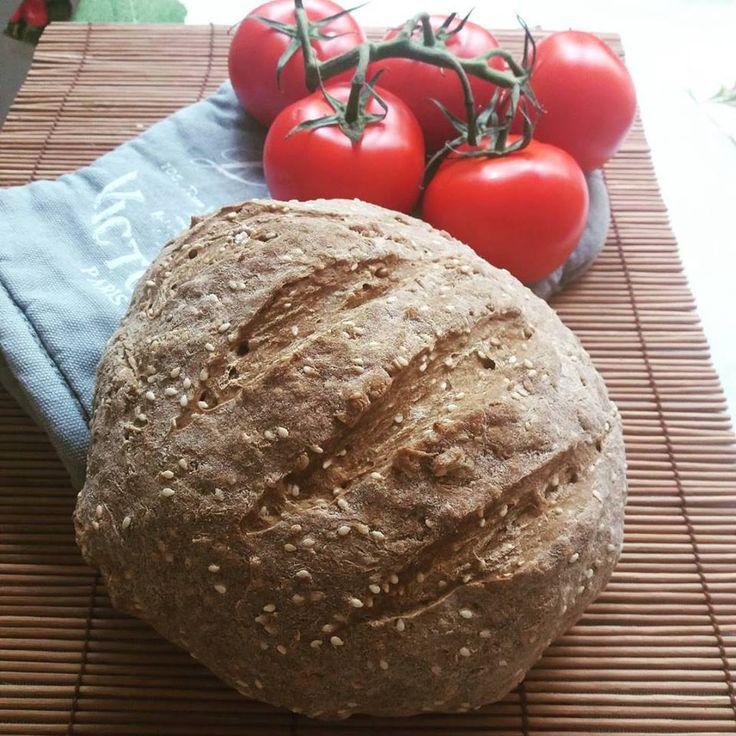 Íme a finom, puha foszlós mindenmentes** fehér kenyér szénhidrátcsökkentett változata! Az eredeti receptet itt találjátok:RECEPT ITT! A napokban több cukorbeteg is kérdezte tőlem, hogy hogyan lehetne az új Szafi Free világos puha kenyérnek tovább csökkenteni a szénhidrátértéké