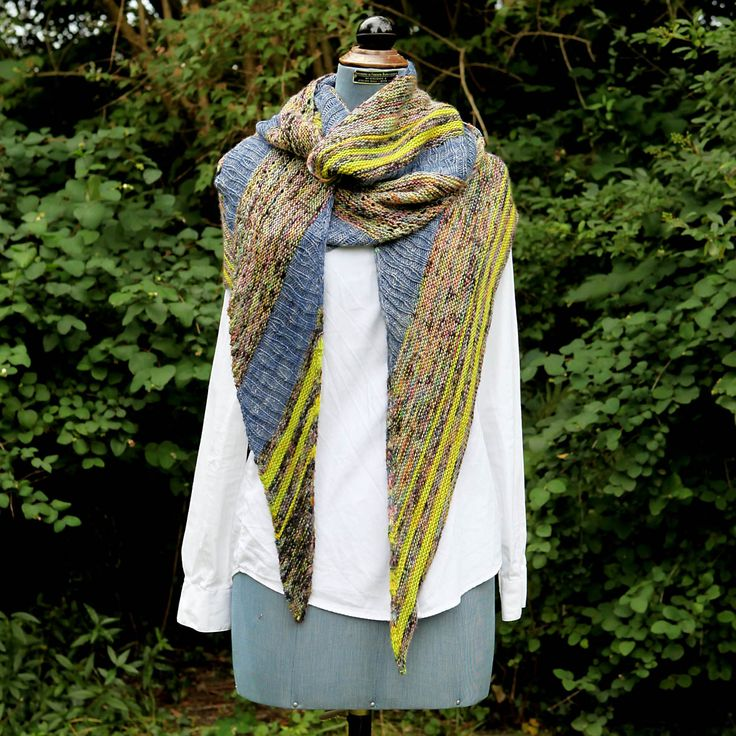 Inspirational pictures of our Electric Raindrops Shawl, knit in soft, colourful Madelinetosh - Tosh Merino Light in Electric Rainbow, Maple Leaf and Favorite Pair colourways. The pattern can be purchased in English and Danish at yarnlovers.net or Ravelry >> http://www.ravelry.com/patterns/library/electric-raindrops