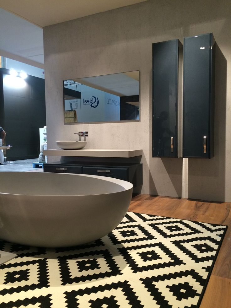 I Bordi #Bathtub in a new Duralight colour: Lunar Grey! Do you like it? We do :) #ISH2015 #ISH Love the new colour!