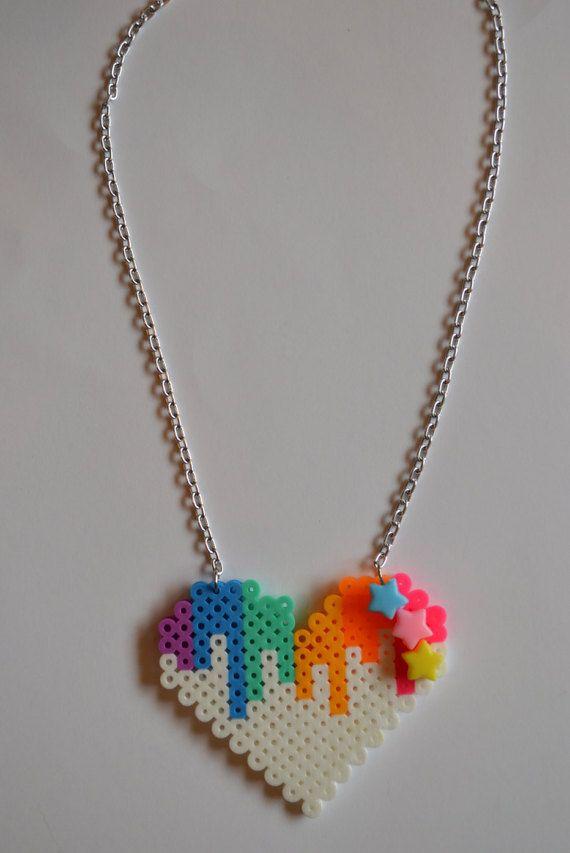 Melting Rainbow Kawaii Heart Pixel Perler Bead por ZombieLoan