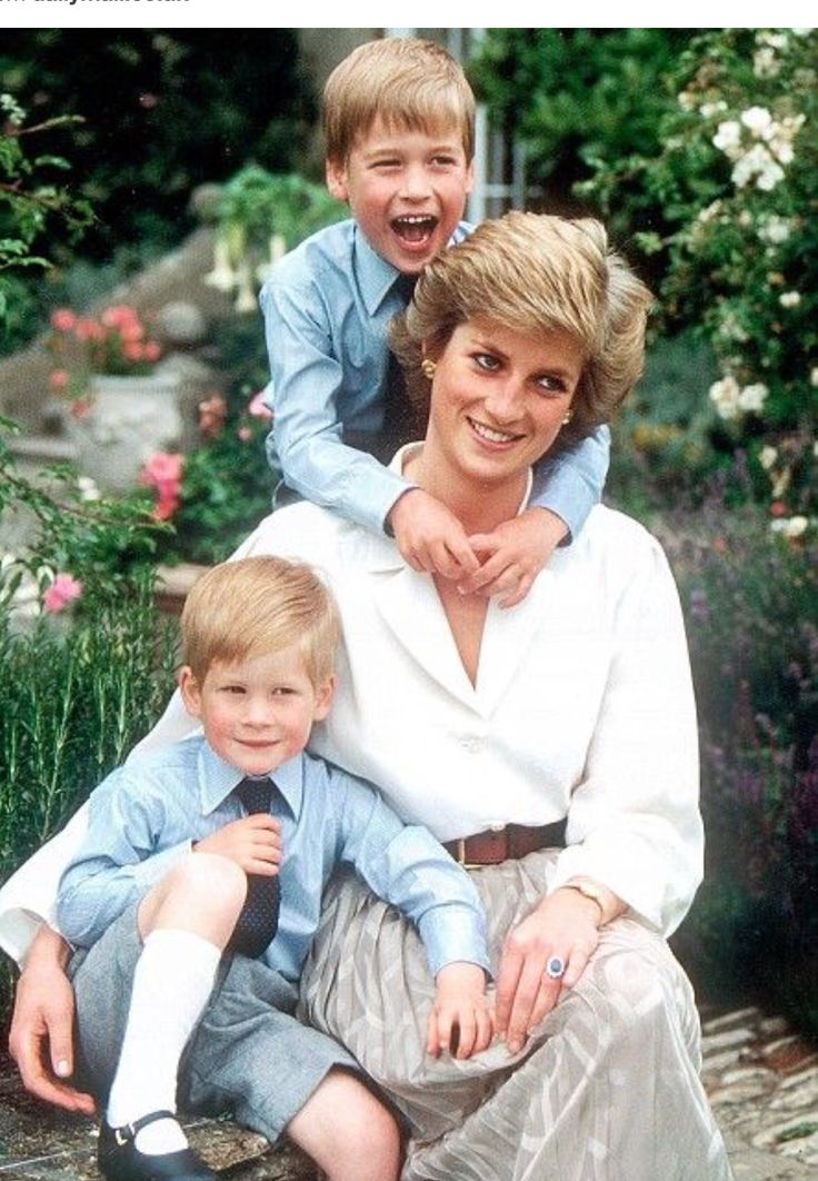 """""""The Duke and Duchess of Cambridge are delighted to announce that they have named their daughter Charlotte Elizabeth Diana,"""" reads a statement from Kensington Palace. """"The baby will be known as Her Royal Highness Princess Charlotte of Cambridge."""" So sweet that princess Diana lives on through her granddaughter ..."""