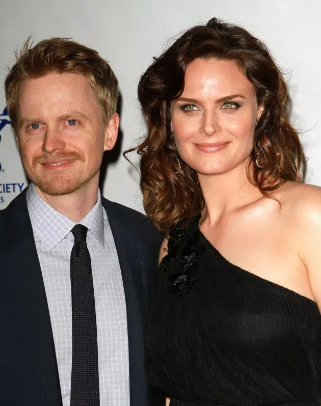 Emily Deschanel with husband David Hornsby | Famous Families