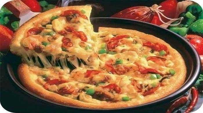 Pizza la tigaie în 10 minute – o rețetă incredibil de bună