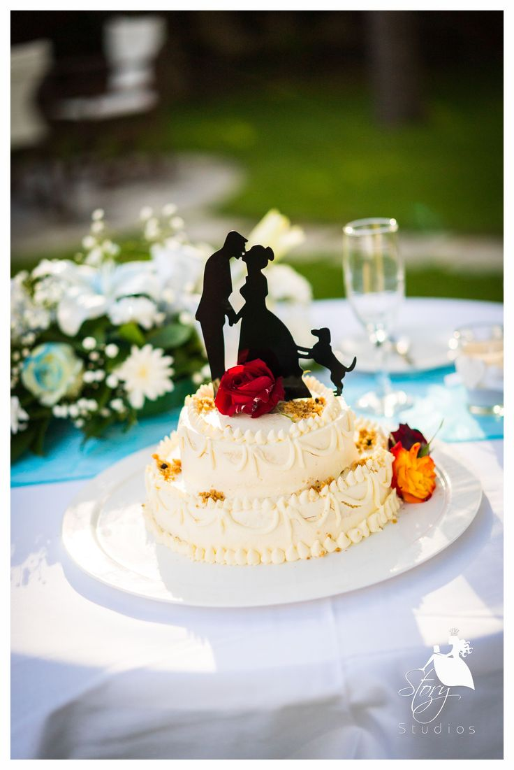 The first wedding cake of the summer season!