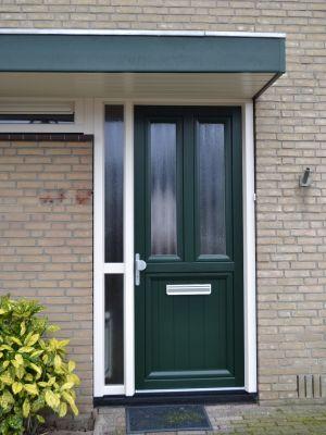 Kunststof voordeur uitgevoerd volgens PKVW.