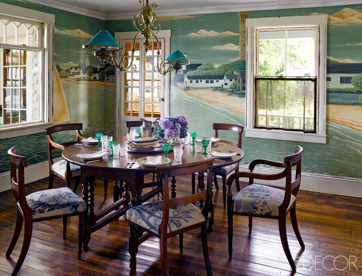 Cape Cod Cottage The Gateleg Table And English Chairs Are From 19th Century