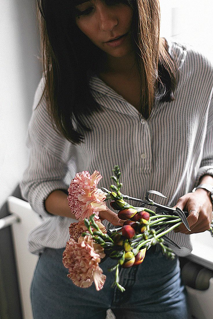 How to make your own flower bouquet. Autumn flowers, flowers for love ones  - teeharejade.com