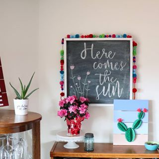 Good morning, the sun is out! It's been rainy for days here so the sun is a welcome guest. It even makes preparing taxes on a Saturday bearable ☺ Have a fabulous weekend friends, enjoy the sun and those special little moments. #sun #herecomesthesun #chalkboard #decor #home #homeview #cactus 🌵 #succulent #flowers 🌷 #color