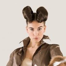 Rocking Aries girl a la Francaise  Horoscope Bélier  Ram tough