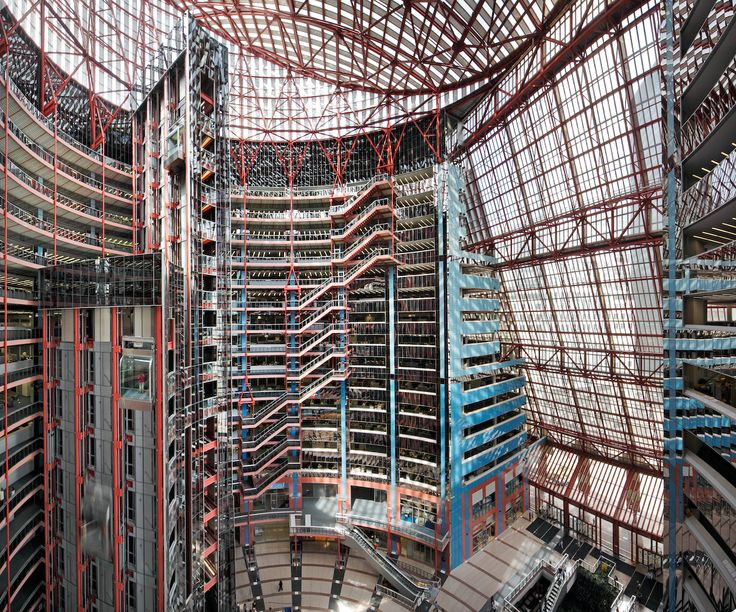 New doc spotlights Helmut Jahn's Thompson Center in Chicago - Archpaper.com