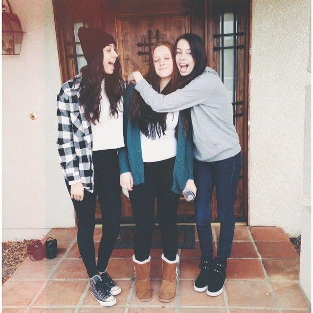I'm so glad that Lauren & Dani got reunited with their friend!!!! :)
