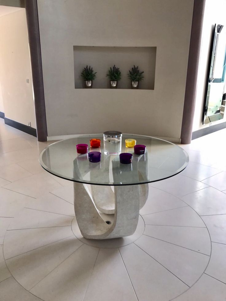 Bespoke toughened glass table top with bevelled edges. https://www.londonglasscentre.net